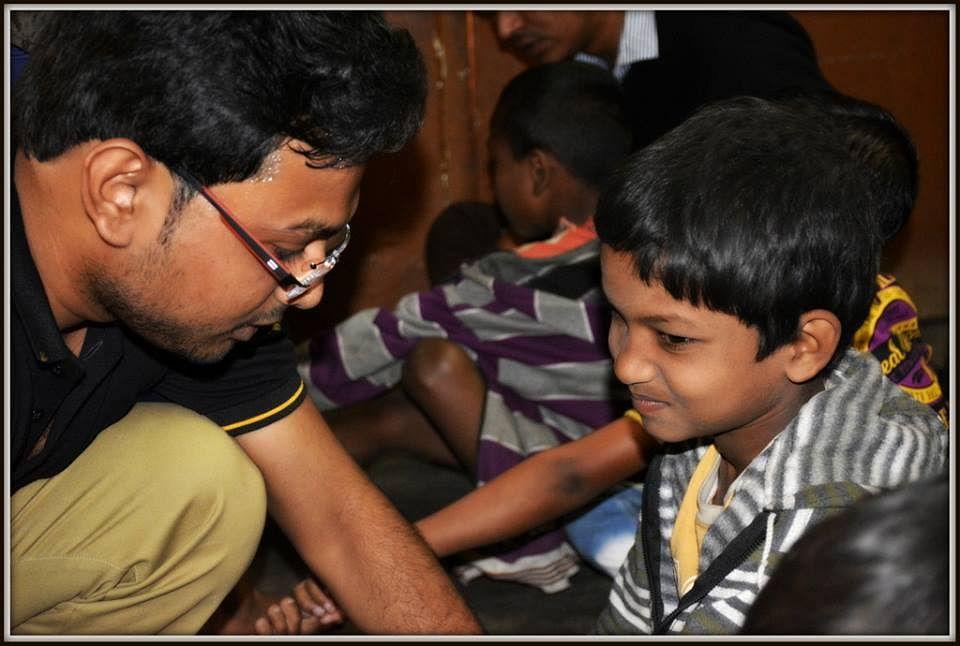 volunteer child interaction