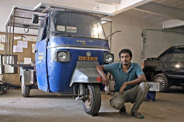 Naveen-Rabelli-with-his-tuk-tuk