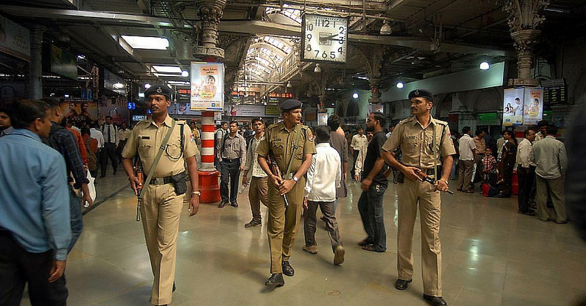 Mumbai Railway Police Rescue 97-Year-Old Pakistani Man. Reunite Him With Indian Family