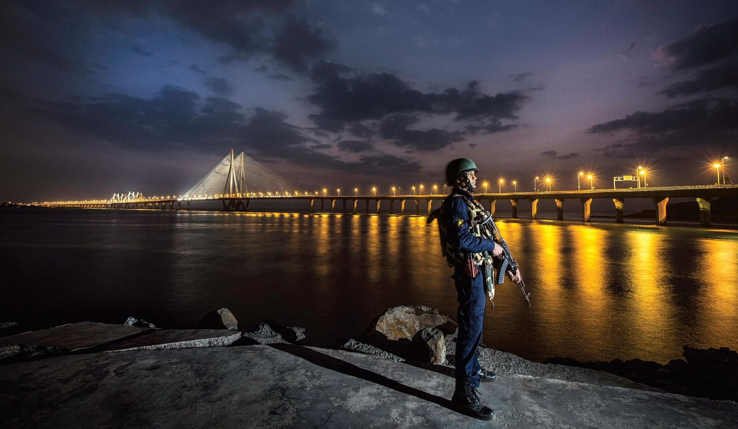 10 Photos That Capture the Hardworking Mumbai Police in Action