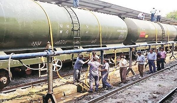 Train carrying water to drought hit Latur