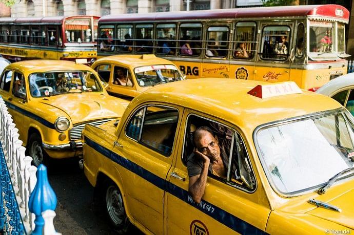 Calcutta-cab-traffic-jam-690x459