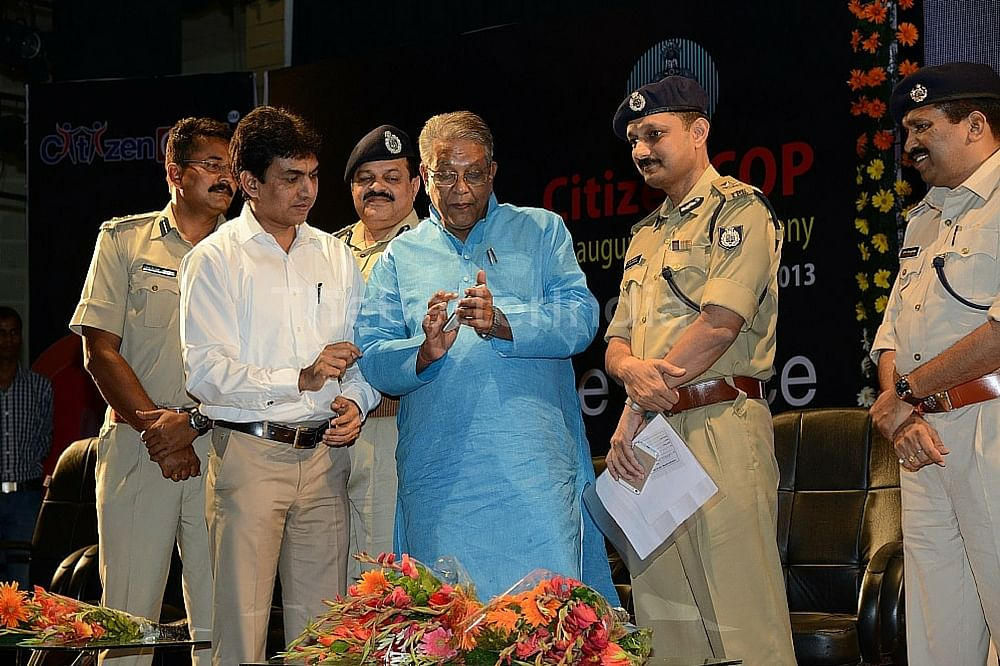 Rakesh Jain (left) at the launch of the app