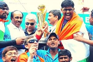 cricket_f