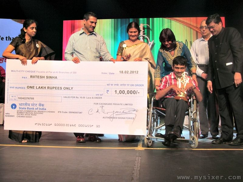 Riitesh winning the CavinKare Ability Award
