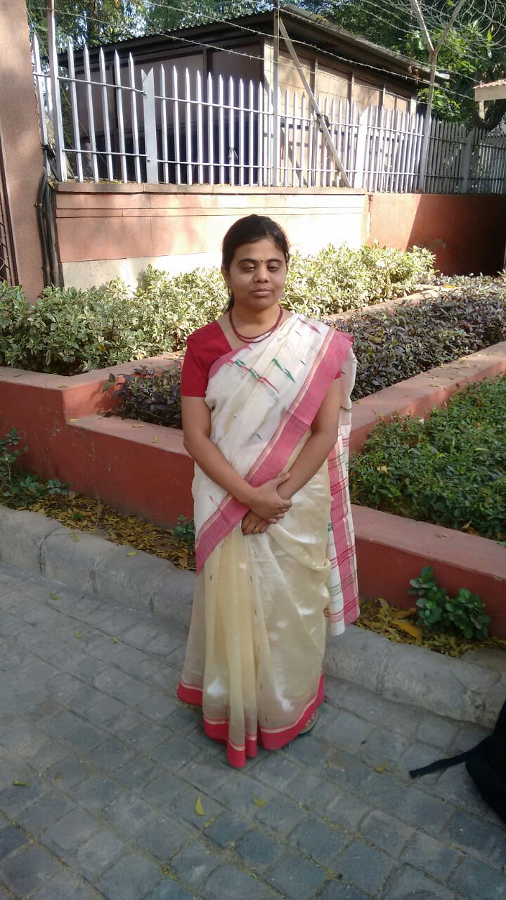 Visually Impaired Girl Cracks UPSC in First Attempt