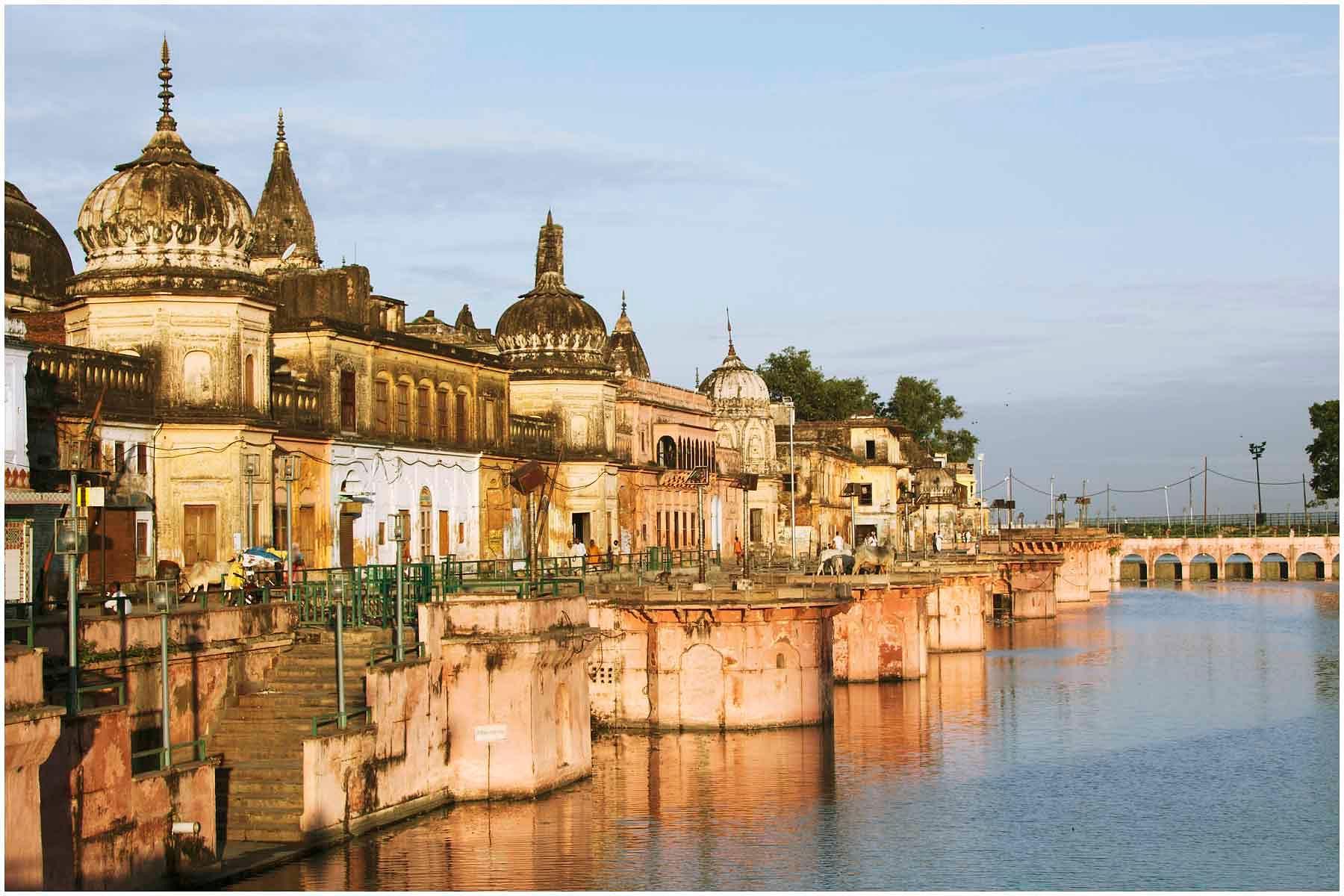 (1)_Ayodhya_Ram_Paidi_Uttar_Pradesh_India_2013