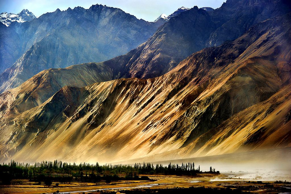 The Stark Beauty of Dras, India's Coldest Inhabited Place, Is Mysteriously Alluring