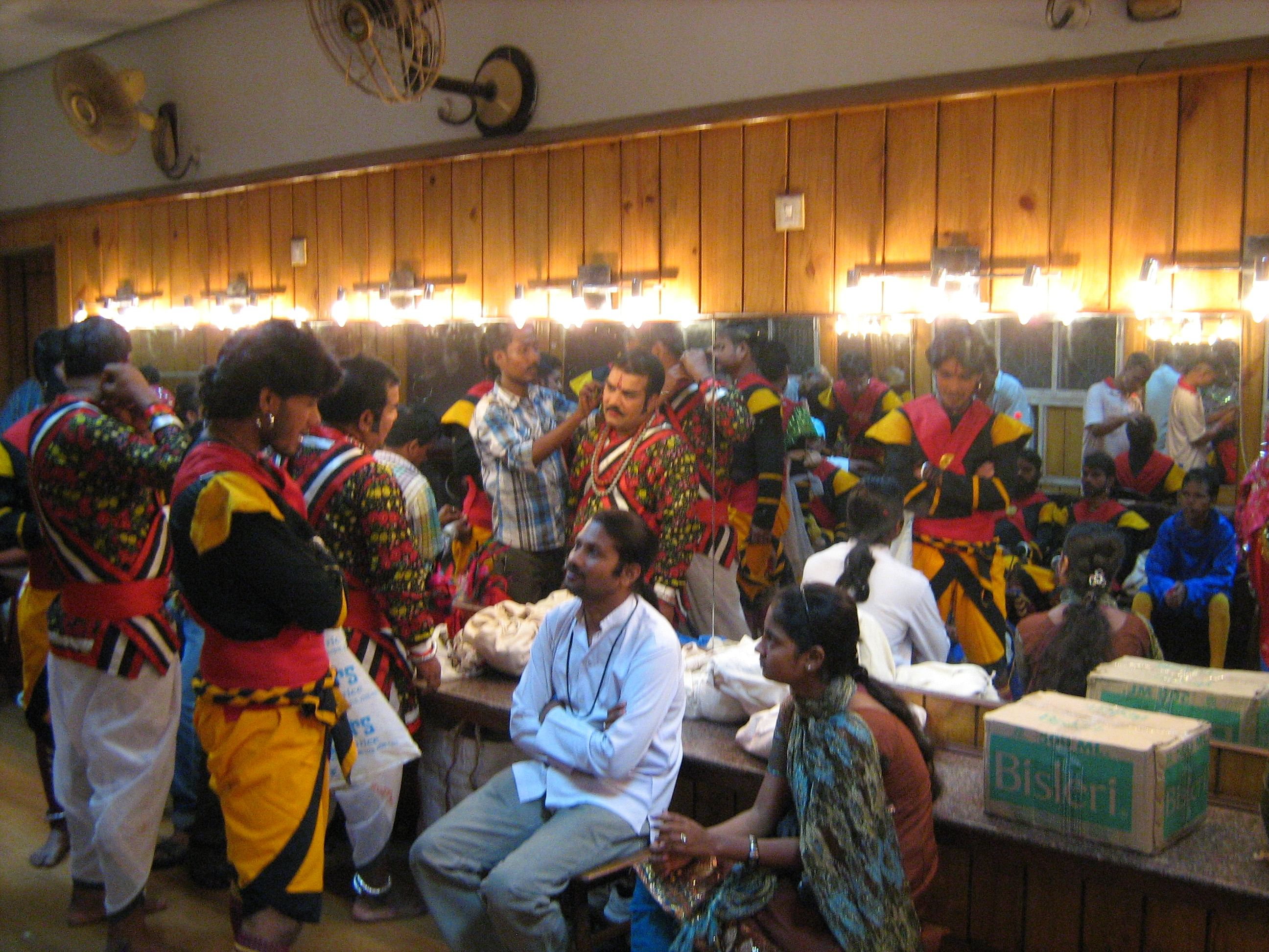 The bustling greenroom at Rabindra Sadan – actors prepare for their performance. (Credit: Sujit Bhar\WFS)