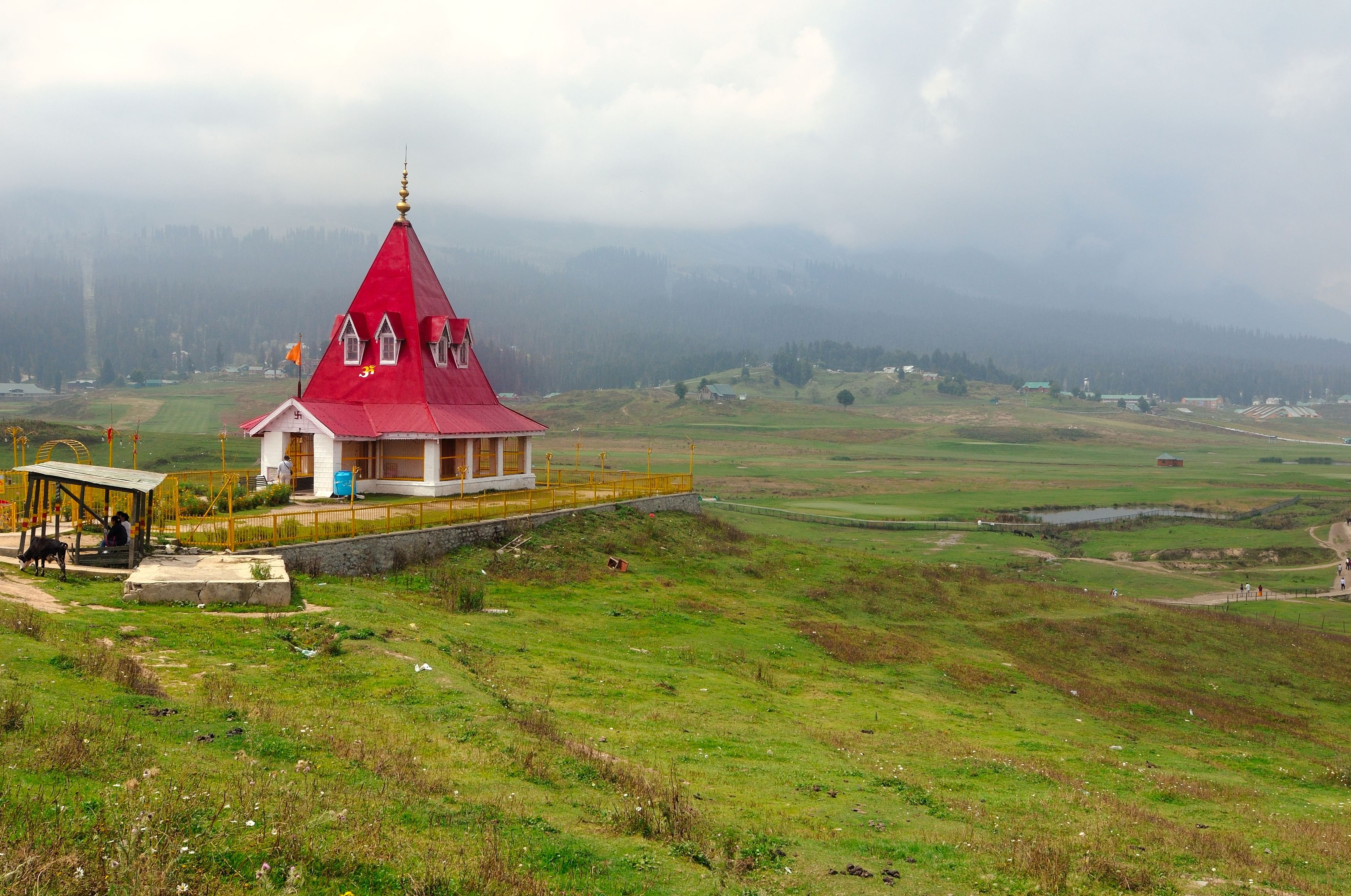 The_Ancient_Maharani_Temple(Gulmarg,Kashmir)_DivyaGupta_forWiki