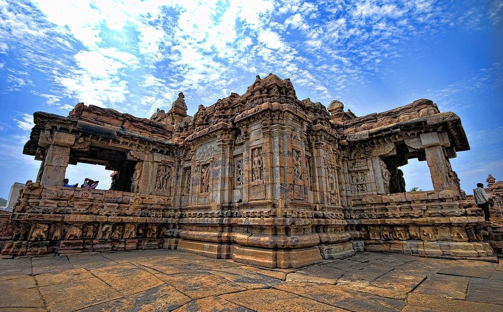 Virupaksha_Temple,_Pattadakal,_Karnataka