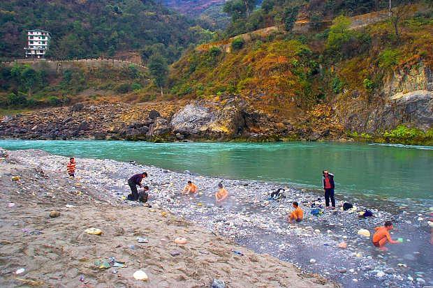 tattapani-hot-spring-bath