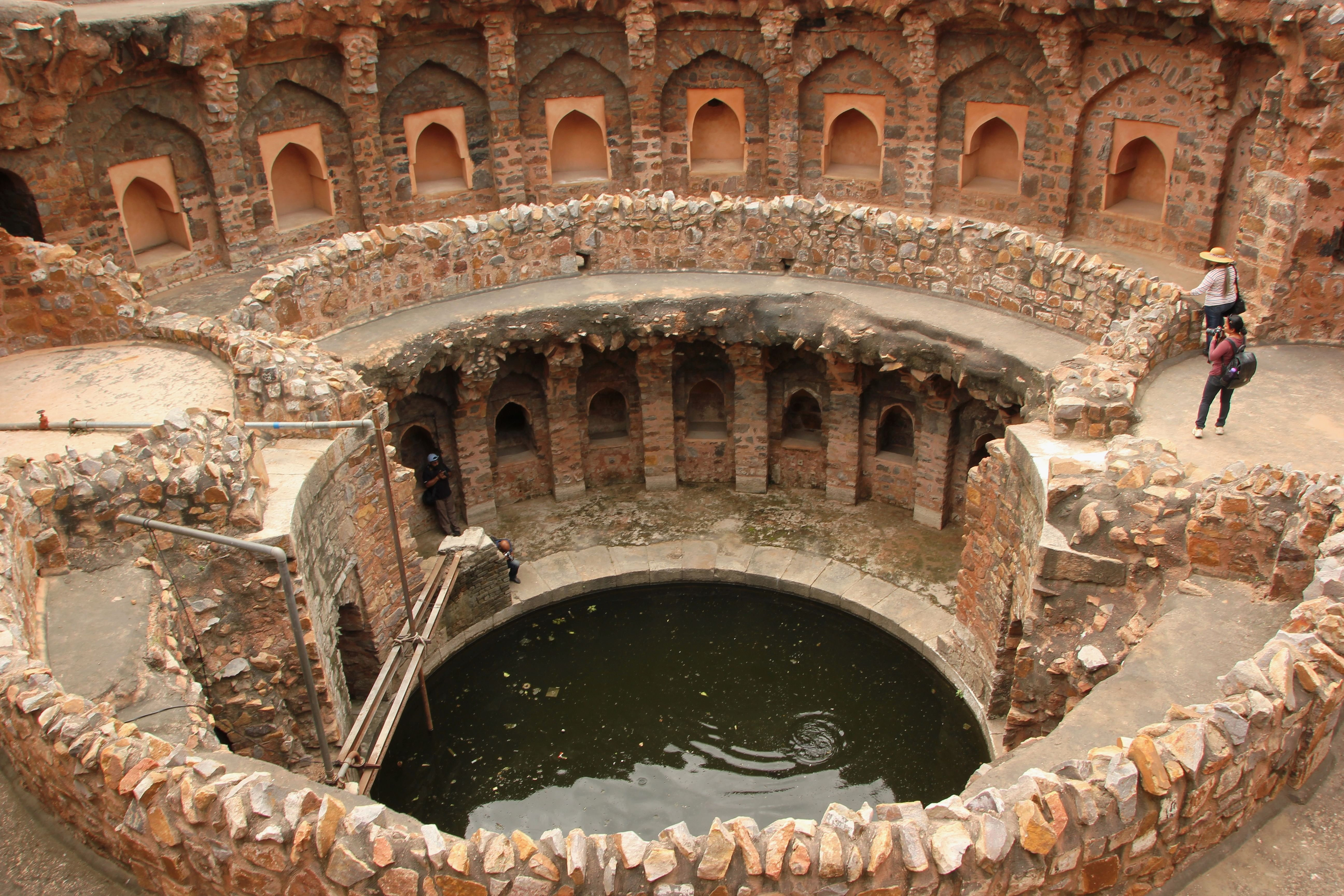 A_Baoli_in_Ferozshah_Kotla,_New_Delhi