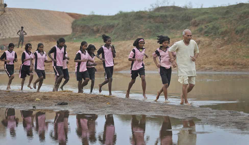 dharampal-jogging.jpg.image.975.568
