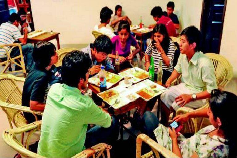 Canteens-in-Delhi-University-768x512 - Copy (2)
