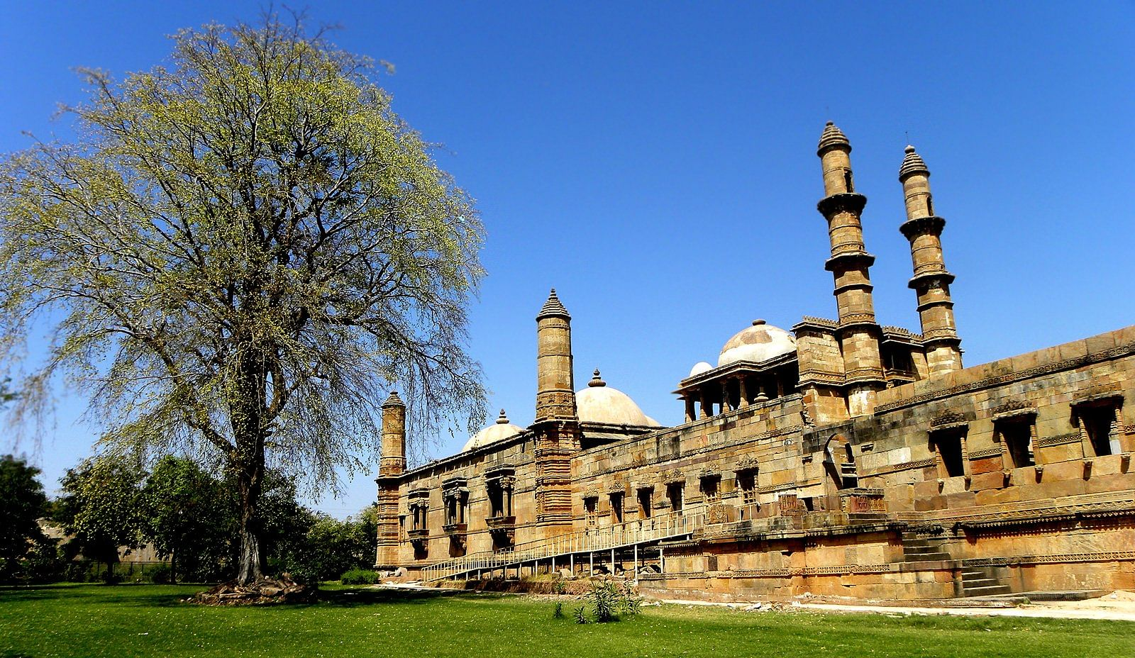 Group-Outing-Champaner1