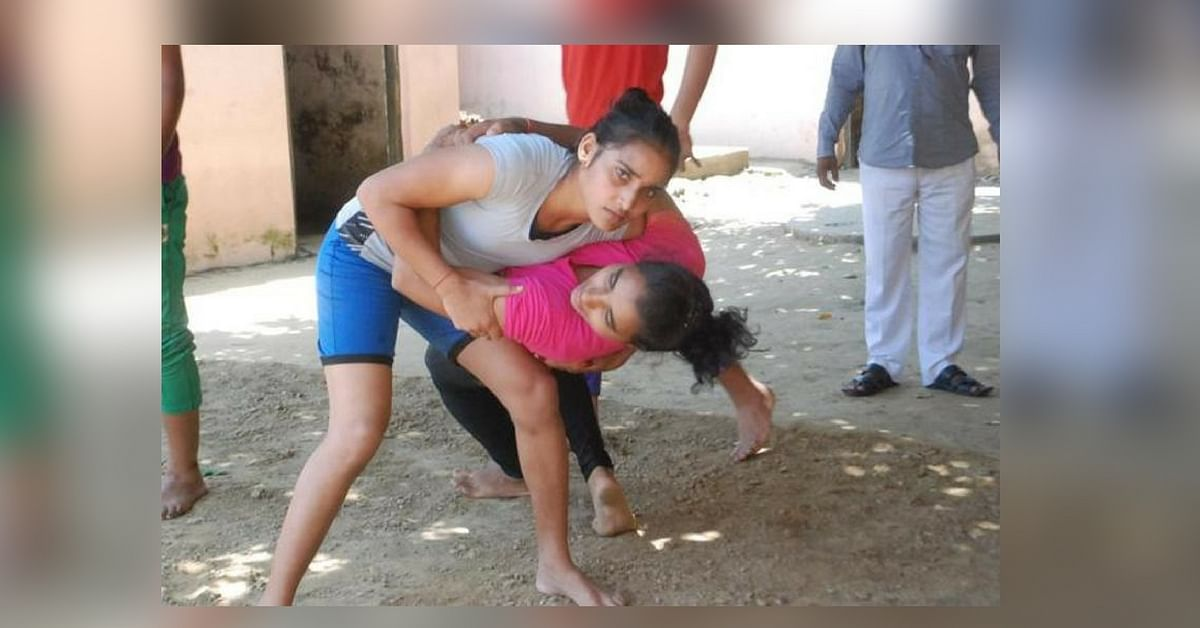 In Azamgarh, One Coach Nurtures the Dreams of 18 Girl Wrestlers to Help India Win at the Olympics