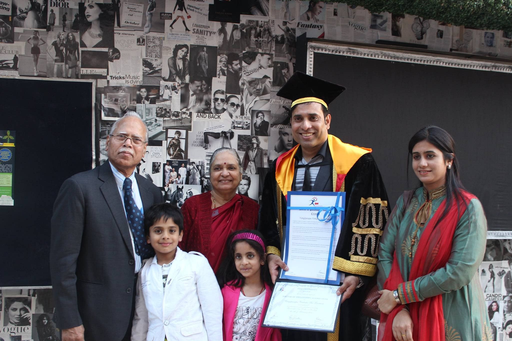 VVS_Laxman_with_his_family_at_Teri_University,_receiving_the_doctoral_degree.