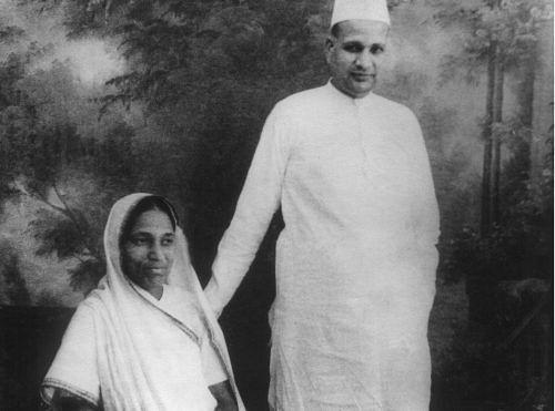 Smt. Jankideviji Bajaj with Shri. Jamnalalji Bajaj