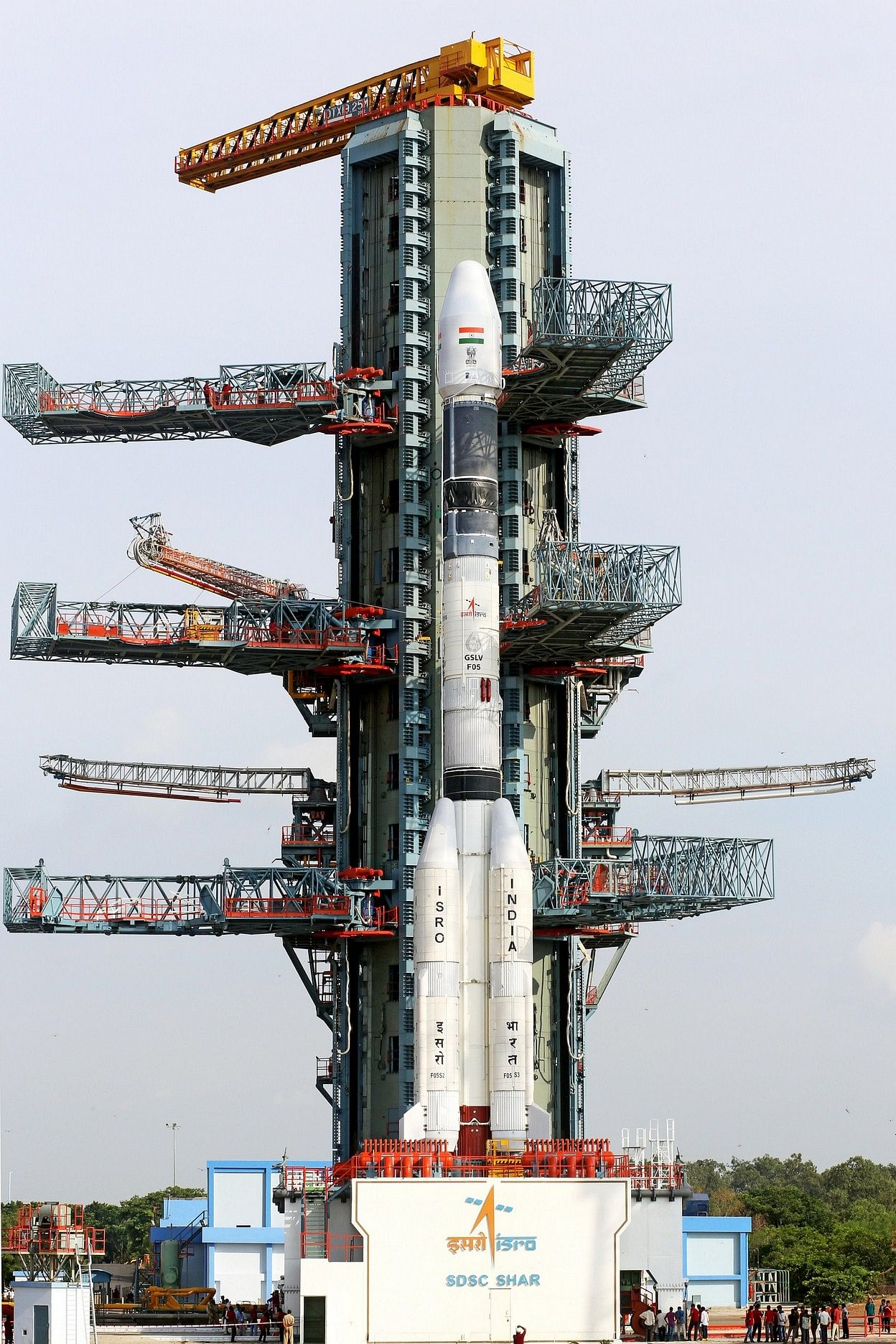 The fully integrated GSLV-F05 carrying INSAT-3DR