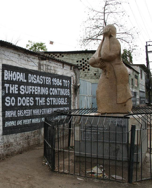 bhopal-union_carbide_1_crop_memorial
