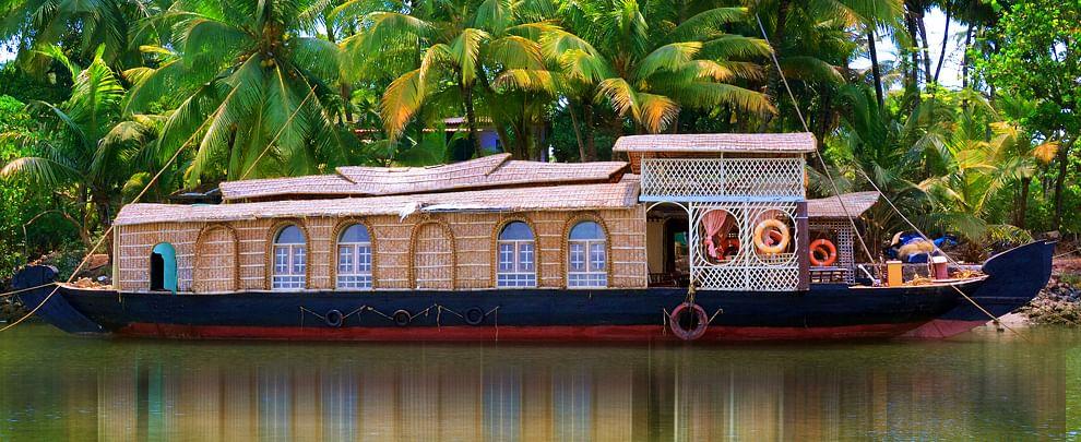 mtdc-tarkarli-houseboat-hiranyakeshi-luxury-house-boat