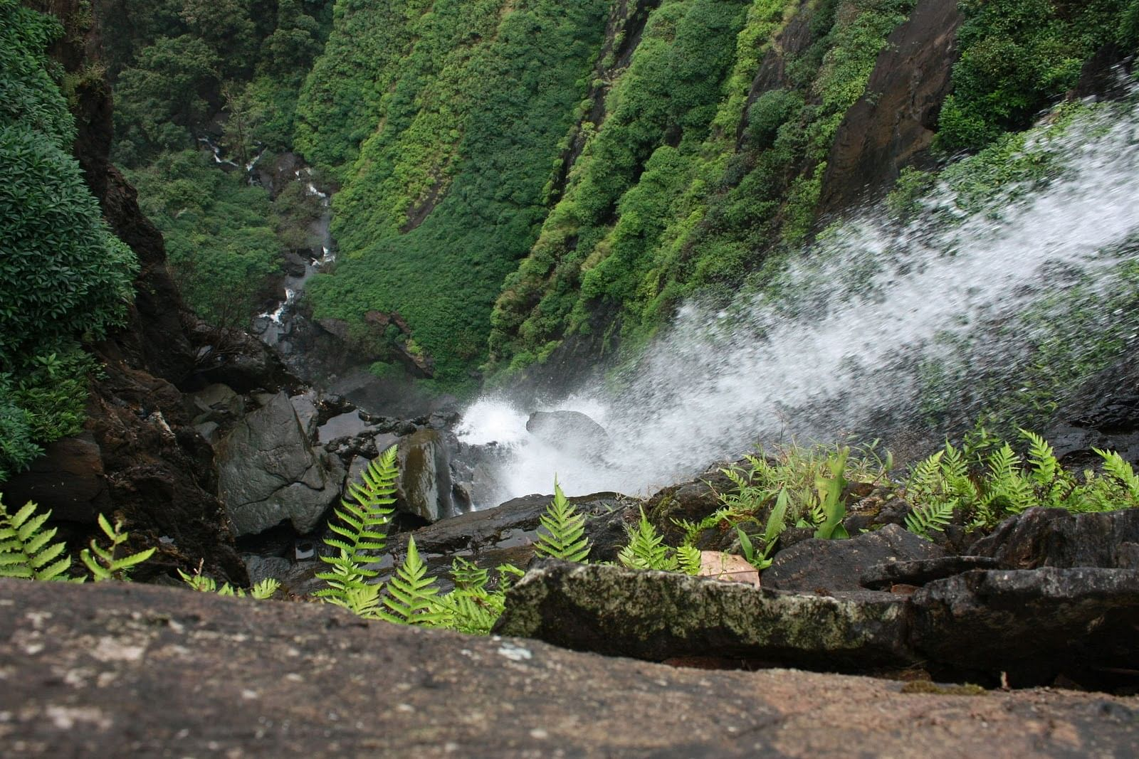 onake abbi waterfall