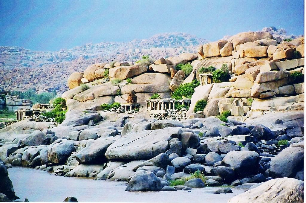 panaromic_view_of_the_natural_fortification_and_landscape_at_hampi