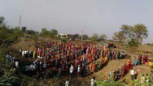 Villagers offering shramdan