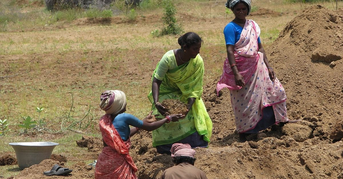 UP Farmers Build Village Dam Themselves after Waiting for Government Action for 25 Years