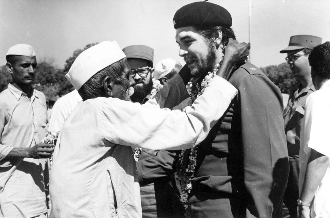 An Old Villager In Gandhi Cap Garlanding Che Guevara During The Cuban Team S Visit To A Community Project Area Pilana Block Near Delhi