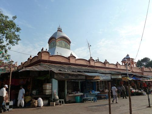 kalighat_temple_with_bazzar
