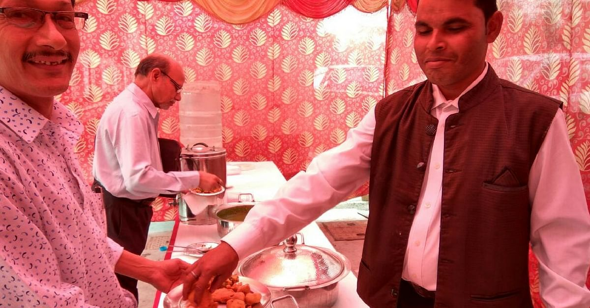 Bank customers being served chai and pakoras