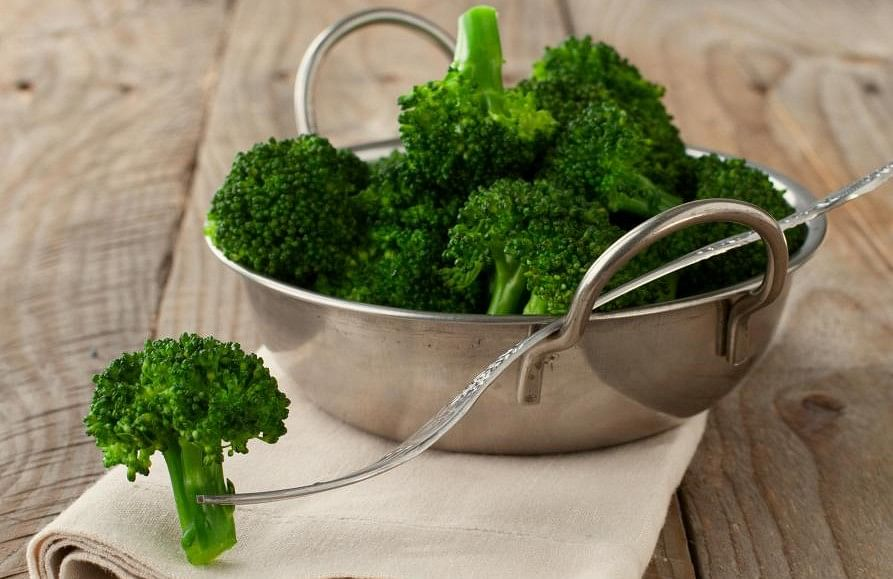 bowl-of-steamed-broccoli