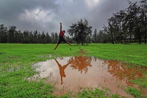 coorg_jump_puddle_zps259ee041