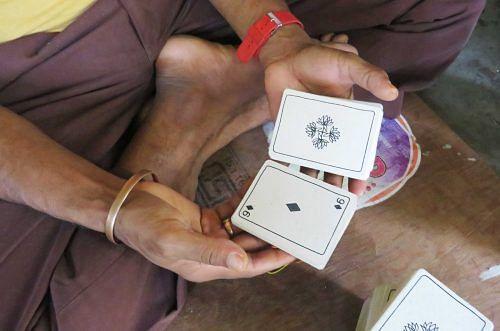 Elrhino playing cards
