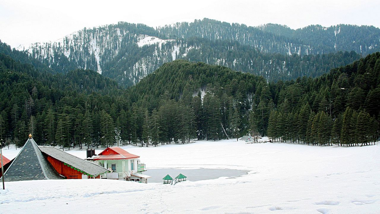 khajjiar-with-snow