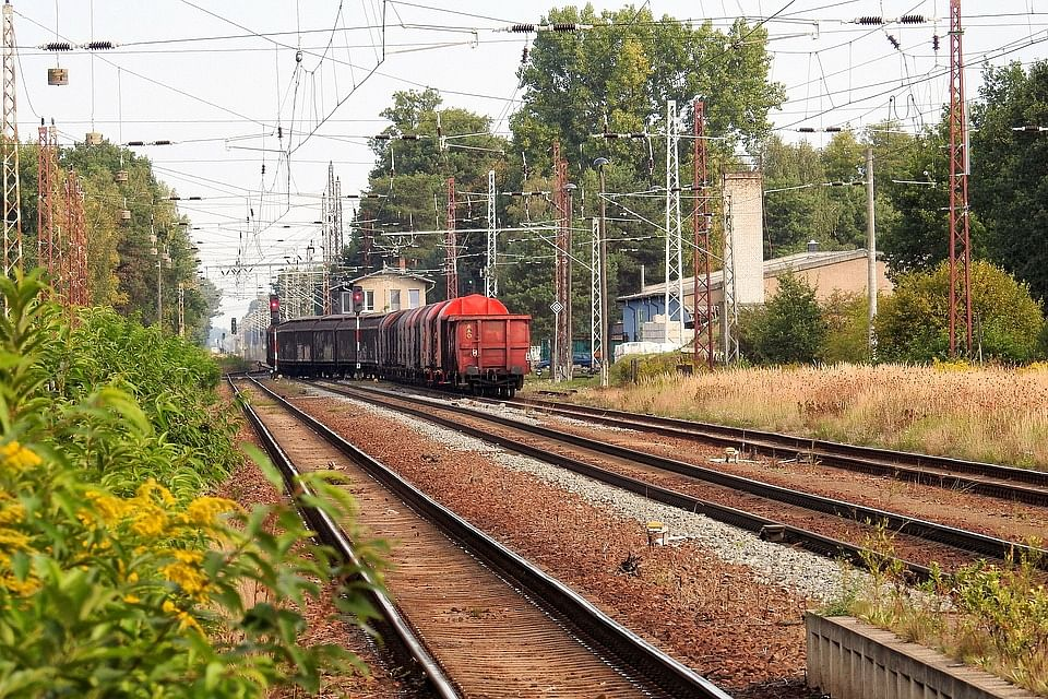 freight-train-1640355_960_720