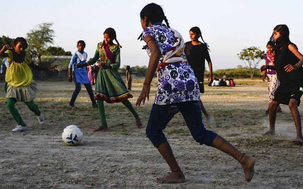 Girls during evening practice, in Sakariya.