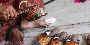 Jodhpuri Chappals Being Crafted
