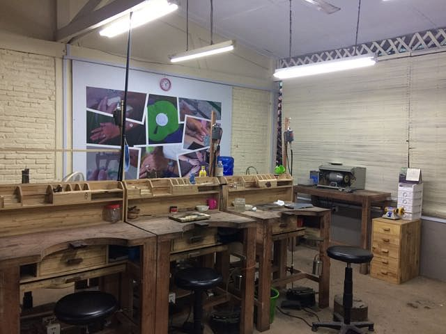Artisans work environment