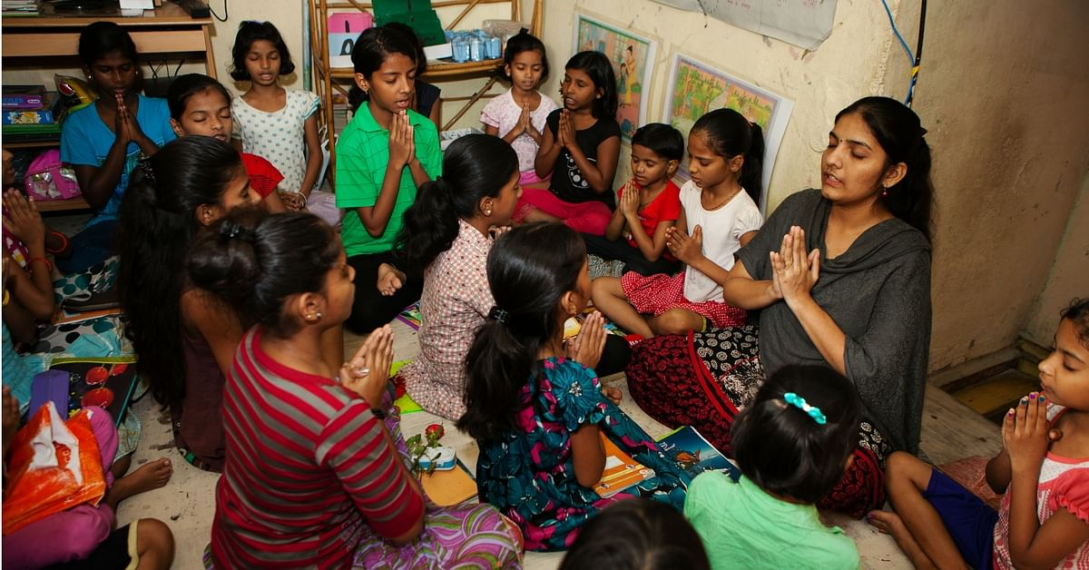 She Grew up in Mumbai's Slums. Today, Aarti Has Educated & Empowered Hundreds of Girls Like Her