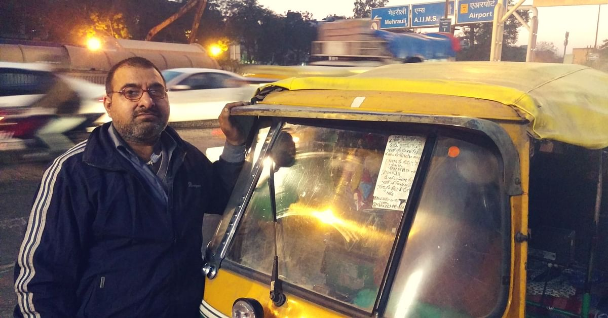 A Delhi Auto Driver Is Making The Summer Bearable for Street Vendors by Distributing Food & Water