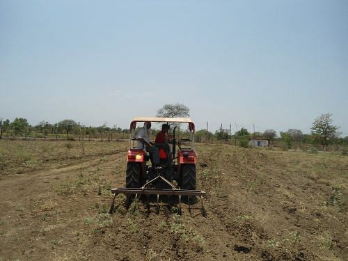 As an Engineer He Earned Rs 24 Lakh  As a Farmer He Earns Rs 2 Crore