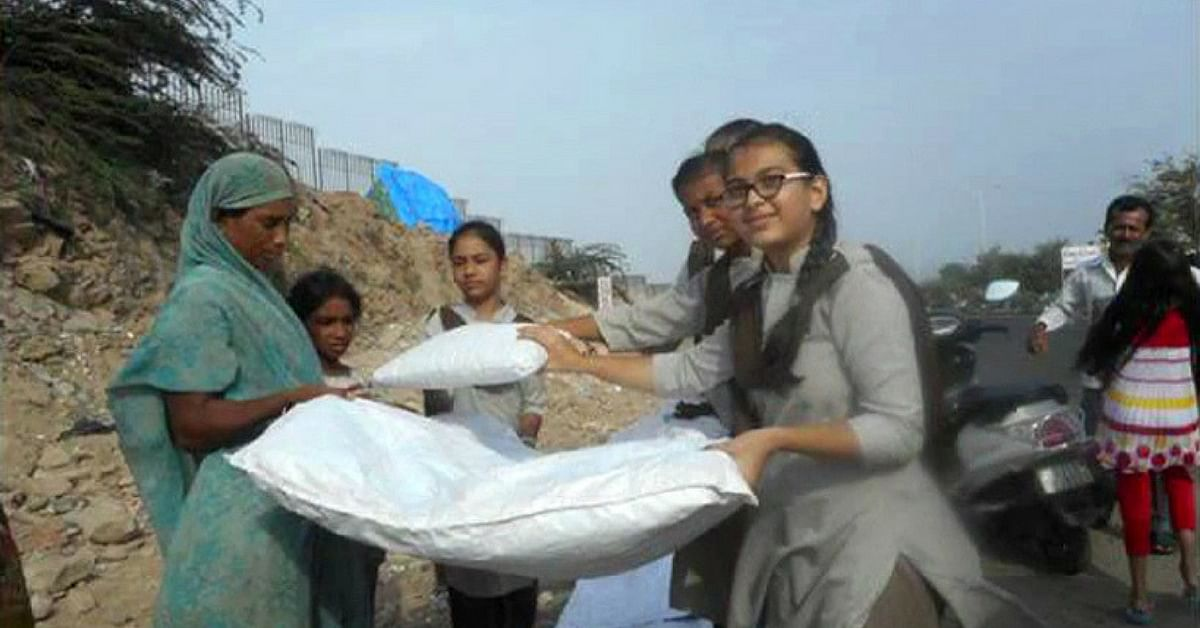 TBI Blogs: 5 Brilliant Schoolgirls in Bhuj Made Beds for Homeless People Using Gunny Bags, Newspapers & Cloth!