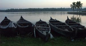 Kerala is a land of water bodies. A state government mission now aims at conserving, cleaning and clearing them up to store water and to aid water transport that the state is known for. The image shows the lagoon of Kadinamkulam in Thiruvananthapuram. (Photo by Climatalk)