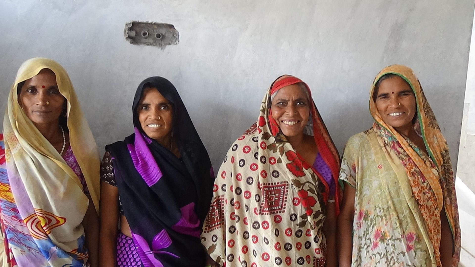 Gyanwati Devi (3rd from left) with her pardada pardadi SHG