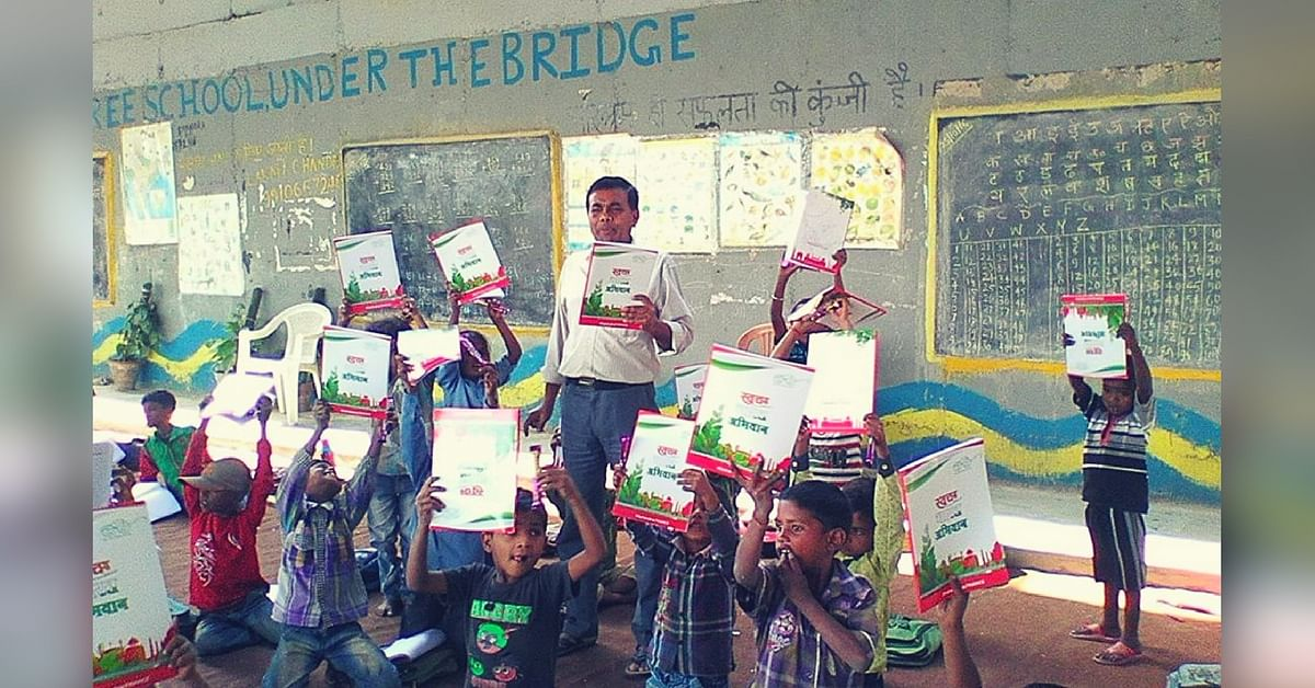 This Grocery Store Owner Has Been Teaching over 300 Underprivileged Kids under a Bridge for a Decade