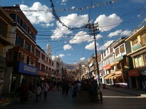 The main Leh bazaar. (Source: Namgyal Wangchuk)