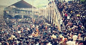 Thousands of devotees at the Sabarimala Yatra. Picture Courtesy: Wikimedia Commons.
